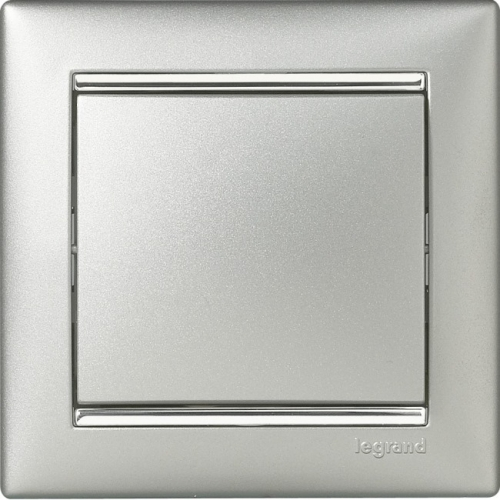 Рамки Legrand Valena (алюминий/серебряный штрих)