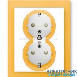 Розетка 2-я с заземлением и шторками в сборе с рамкой ABB Neo белый/оранжевый
