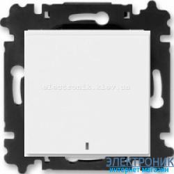 Выключатель/переключатель 1-клав., с подсветкой проходной безвинтовые зажимы ABB Levit белый/белый
