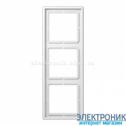 Рамка трехместная JUNG LS990 белый