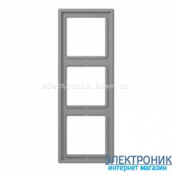 Рамка трехместная JUNG LS990 светло-серый