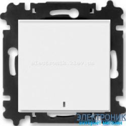 Выключатель/переключатель 1-клав., с подсветкой проходной безвинтовые зажимы ABB Levit белый/ледяной